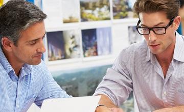 Prowadzenie firmy na etacie - czy pracodawca musi wiedzieć