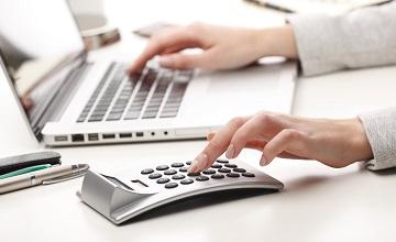 Rachunek czy faktura – jaki dokument wystawiają zwolnieni z VAT? [inFakt TV]
