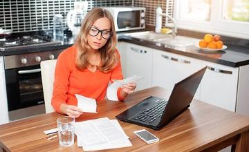 Faktura kosztowa otrzymana po zakończeniu roku – możliwa do rozliczenia?